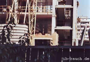 Stahlbetonskelettkonstruktion mit Ziegelsteine