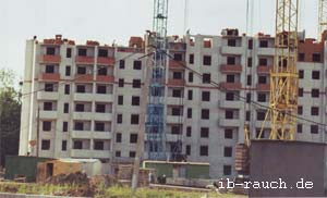 mehrgeschossige Wohnhäuser aus Ziegelsteinen in Ukraine